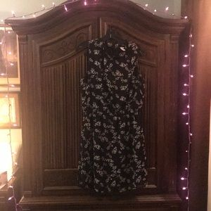 Flirty No Sleeve Short Black Dress